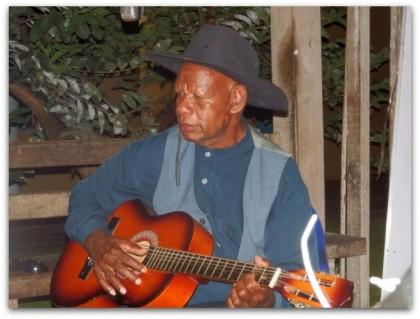 Ben Au. Late Fred Maedola's lead guitarist .