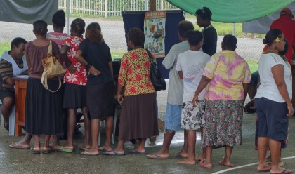 People lining up to get registered for West Honiara during the registration period. Photo credit: SIBC.