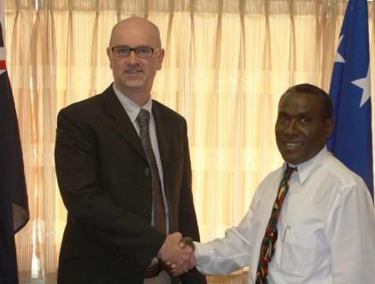 Craig Hawke and Minister Sandakabatu. Photo credit: GCU.