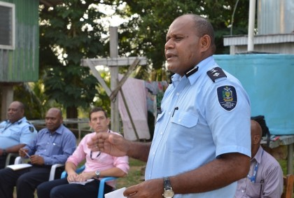 Assistant Police Commissioner, Gabriel Manelusi presenting during the consultations at Ohiola village (Photo by RAMSI  Public Affairs).