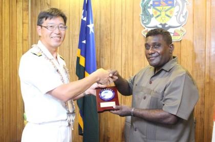 Rear Admiral Yuasa presents a gift to Prime Minister Gordon Darcy Lilo. Photo credit: OPMC.