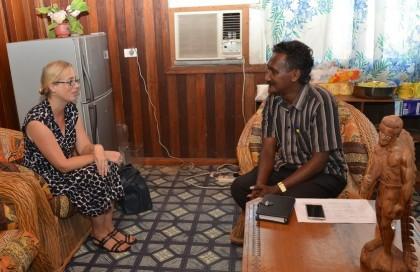 RAMSI Special Coordinator, Ms Justine Braithwaite meets with Deputy Premier of Western Province, Wayne Maepio at Gizo (Photo by RAMSI Public Affairs).
