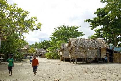 Lilisiana village, Auki, Malaita, Solomon Islands. Photo credit: www.pbase.com