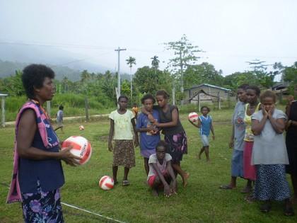 Netball coaching for ladies at Malu'u. Photo credit: TARD.