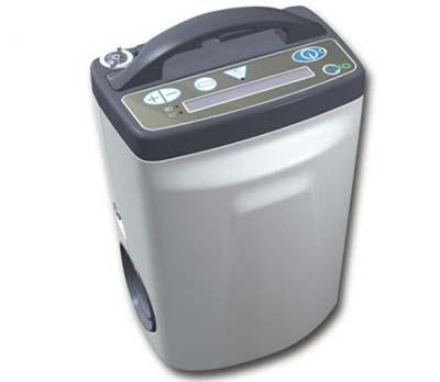 A portable oxygen concentrator. Photo credit: www.aeromedic.com