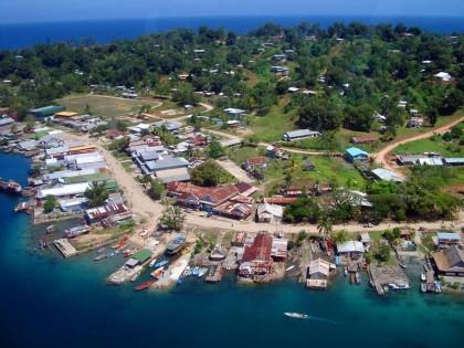 An Ariel view of Gizo town. Photo credit: www.divegizo.com
