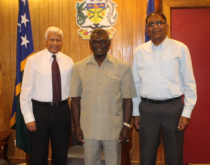 Prime Minister Sogavare with Pan-Oceanic Bank Chairman Mr Upali de Silva (at PM's right) and POB CEO Mr NihalKekulawala after their discussions on Monday. Photo credit: OPMC.