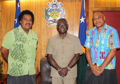 Prime Minister Sogavare with SIVB Chairman Wilson Ne'e and SIVB CEO Josefa Tuamotu after their discussions. Photo credit: OPMC.