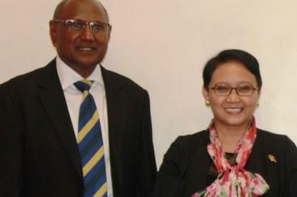 Foreign Minister Milner Tozaka and his Indonesian counterpart Hon. Retno Marsudi in Honiara. Photo credit: GCU.