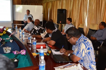Rennell Bellona Premier Colin Tesuatai and members of his assembly at the consultations. Photo credit: RAMSI Public Affairs.