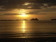 Sun set over the Bina Harbour. Photo credit: travelingluck.com