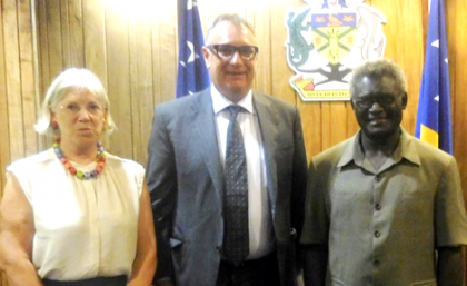 Prime Minister Sogavare with Mr King and the New Zealand High Commissioner to Solomon Islands Her Excellency Marion Crawshaw. Photo credit: OPMC.