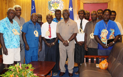 Prime Minister Manasseh Sogavare and the Vanuatu-bound Lauru delegation. Photo credit: OPMC.