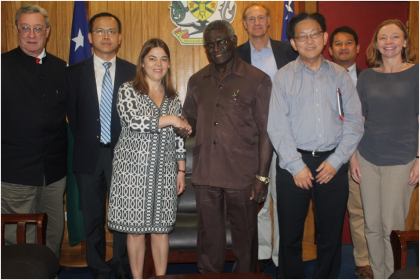 PM Sogavare shakes hands with Ms Tumbarello. Looking on are the rest of IMF team members. Photo credit: OPMC.
