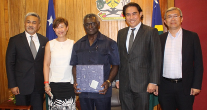 Prime Minister Manasseh Sogavare, centre, with the Malaysian delegation. Photo credit: OPMC.