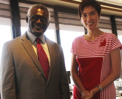 Prime Minister Sogavare and Singapore's Senior Minister of State, Hon Josephine Teo. Photo credit: PM Press Secretariat.