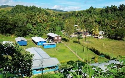 The White River School. Photo credit: Panoramio.