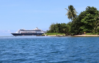 The Pacific Eden anchoring off Gizo island, Western Province. Photo credit: AHC.