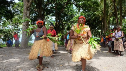 Traditional dancing in the village of Bonala