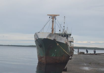 Abandoned ship sparks oil spill fears in Russell Islands