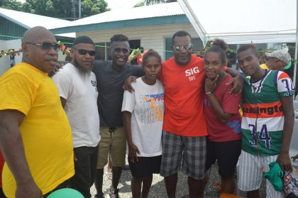 Ragomo joins Christmas celebration with inmates and families