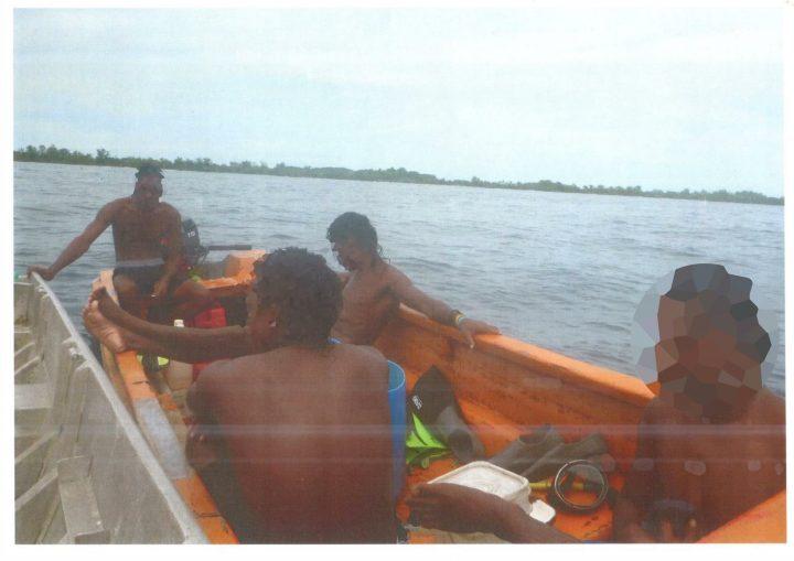 Arnavon rangers apprehend Beche-de-mer poachers.