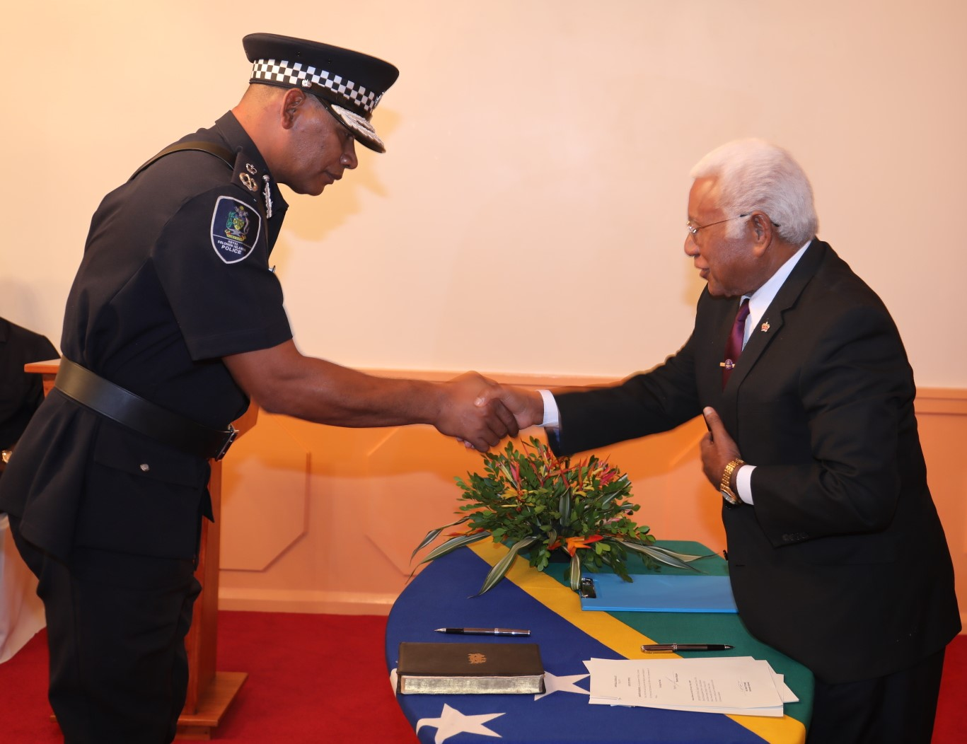 MANGAU SWORN-IN AS NEW POLICE COMMISSIONER